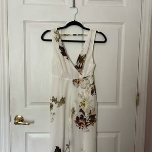 Hope & Ivy petite floral jumpsuit.